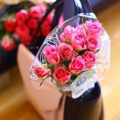 حين يأخذني الحنين إلى الوراء  لا أعلم   هل أبتسم لأن الذكريات جميلة ..  أم أبكي لأن الماضي لن يعود .. ! استغفار #سبحان_الله #اجر #ادعية #دعاء #ذكر #رمزيات #منشن #الله #دعاء #اسﻻميات#صباح#مساء #تصاميم #فوتوشوب #photo#islamic #حكم #صور#allah#nature#كلمات#paint#flower#calligraphy #decoration #ديكور#يارب#متابعين#art#pink by swsen_