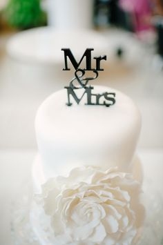 Mr & Mrs cake topper | Images by Carbon Copy Studios