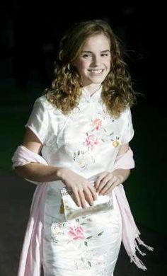 Harry Potter Emma Watson in White Cheongsam Qipao Oriental Chic  www.interactchina.com/servlet/the-Ladies-Fashion-cln-Qipao/Categories