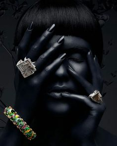 When you read the slogan of Pandora Jewelry you can read that this brand represents exclusive and timeless . Black Girl Art, Black Women Art, Jewelry Photography, Fashion Photography, Diamond Photography, Ad Photography, African Art Paintings, Gold Color Palettes, Jewelry Editorial