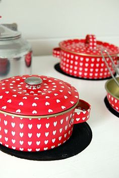 White hearts on red -- pots!  Heart kitchenware