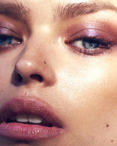 Pink Eyes-makeup look Makeup Trends, Makeup Inspo, Makeup Tips, Eye Candy Makeup, Hair Makeup, Colorful Eye Makeup, Blue Eye Makeup, Natural Wedding Makeup, Colorful Makeup