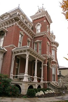 Second Empire Victorian - Nisbet house Victorian Architecture, Beautiful Architecture, Beautiful Buildings, Beautiful Homes, Architecture Design, Classical Architecture, Old Mansions, Abandoned Mansions, Abandoned Houses
