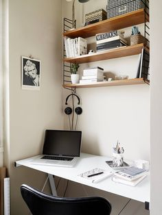 A constantly updated resource of inspirational, yet functional, minimal desks and simple workspaces; often showcasing the interior design facets that pull it all together.