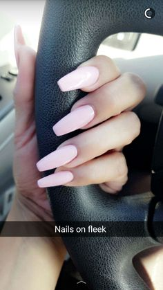 790 best pink nails images in 2017 Perfect Nails, Gorgeous Nails, Cute Nails, Pretty Nails, Hair And Nails, My Nails, Nagellack Trends, Neutral Nails, Pale Pink Nails