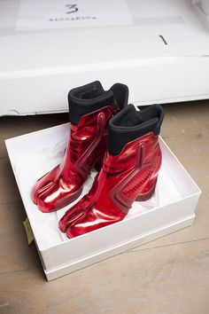 For Their A/W 2014 Collection, Maison Martin Margiela Took Their Classic  Tabi Boot Concept And Created The Tabi Sneaker.