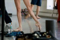 pirouetteforlife: Kathryn Boren from Boston Ballet. Photo by Rosalie O'Connor Ballet Feet, Ballet Dancers, Shall We Dance, Just Dance, Dance 4, Ballerina Legs, Ballet Class, Ballet Studio, Ballet Girls
