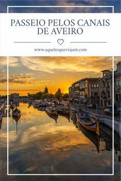 Conheça a Veneza Portuguesa num típico passeio de barco moliceiro #portugal #aveiro