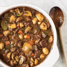 Beef Bourguignon is a traditional beef stew of the kitchen bo … – The most beautiful recipes Meat Recipes, Dinner Recipes, Cooking Recipes, Healthy Recipes, Ricardo Recipe, Confort Food, Beef Dishes, One Pot Meals, Lunches And Dinners