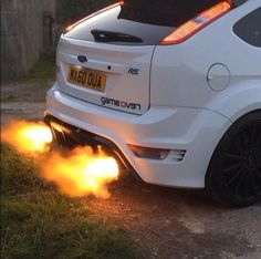 Ford focus rs spitting flames
