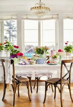 Bright and cheerful summer table