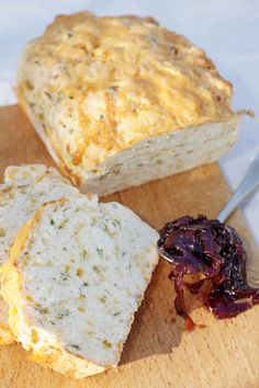 Bierbrood - WegSleep South African Dishes, South African Recipes, Beer Bread, Bread Bun, Bread Machine Recipes, Bread Machines, Bread Recipes, Yummy Recipes, Recipies