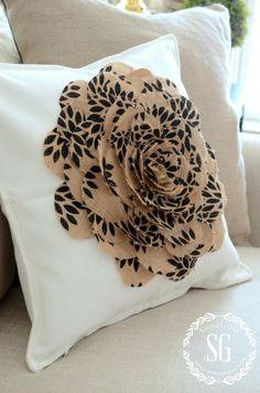 NO SEW BURLAP FLOWER PILLOW-dimensional pillow-stonegableblog.com