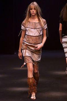 Clements Ribeiro Spring 2002 Ready-to-Wear Fashion Show - Carmen Maria Hillestad