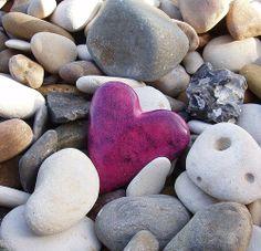 15 Natural Rock Shapes for Valentines.