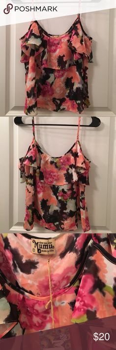 Floral Top (show me you mumu) It's brand new with tags! Didn't fit me 😫 so pretty! Show me your mumu! Show Me Your MuMu Tops