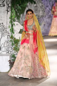 Complete collection: Anju Modi at India Couture Week 2017 Indian Bridal Lehenga, Pakistani Bridal Wear, Pakistani Dresses, Indian Sarees, Indian Dresses, Indian Outfits, Pakistani Suits, Lakme Fashion Week, India Fashion