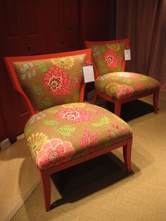 The world is ready to be happy, again!  Custom colored finishes from CR Laine . . . they'll match any Benjamin Moore paint.  Loved the pattern of the Higgins Chair!  Bright flowers spring forth from a ground of brown.  #HPMkt  IHFC Bldg