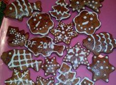 Zdobené perníčky hned měkké   NejRecept.cz Gingerbread Cookies, Food, Cookies, Gingerbread Cupcakes, Eten, Meals, Diet
