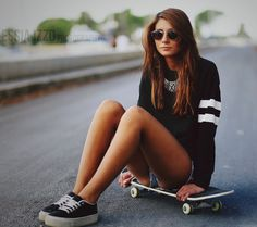 Skater GirlSamsung Wallpaper Download | Free Samsung Wallpapers