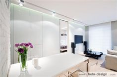 Very consistent and consistent interior design. The decor of elegant, functional, warm, makes a very good impression. Photos: HOLA Design, www.hola-design.com