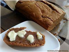 Recept voor Pindakaasbrood koolhydraatarm Snel, makkelijk en maar 2 koolhydraten per sneetje. Kan ook met andere notenpasta's. Ideaal voor op vakantie?
