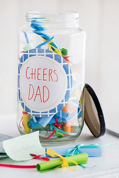 Tell dad all the reasons why he is so great with this sentimental gratitude jar gift idea. Simple, personalised and handmade, it is full of wonderfully warming touches. | Tesco