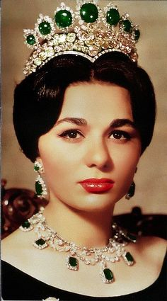 Empress Farah of Iran wearing the Seven Emeralds Tiara