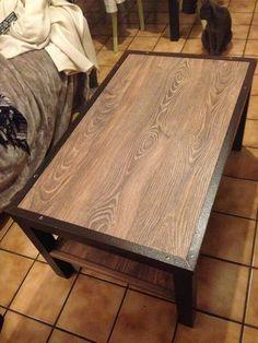 Matériel : – table LACK Ikea – une boite de sol stratifié – cornière métallique (2.9m – récup' chez le père) – cornière en bois (2.5m) Description : Ras le bol de ma table basse lack de chez ikea….du coup je l'ai customisée version industrielle ! Tout d'abord, voici les étapes pour les cornières métalliques :brosser,nettoyer,angle à45,percerpour les vis, appliquer unproduit anti-rouille. Découper le sol stratifié aux bonnes dimensions, (sol stratifié (sans joint / rainure) de chez…