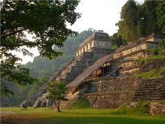 Famous Historic Buildings & Archaeological Sites in Mexico – Maya City Palenque, Uxmal, Chichen Itza, Monte Alban