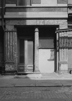 Bevan Davies. 'Column, Mercer Street, New York' 1975