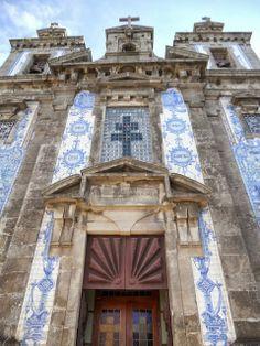 Porto - Portugal - Church of St. Ildefonso and Around | Sidewalk Safari