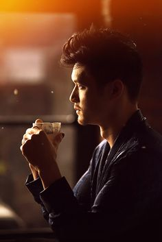 ImageFind images and videos about shadowhunters, magnus bane and harry shum jr on We Heart It - the app to get lost in what you love. Shadowhunters Malec, Shadowhunters The Mortal Instruments, Grey's Anatomy, Mathew Daddario, Mike Chang, Magnus And Alec, Dominic Sherwood, Alec Lightwood, Katherine Mcnamara