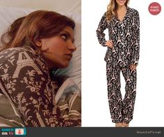 Mindy's black Eiffel Tower print pajamas on The Mindy Project. Outfit Details: http://wornontv.net/45108/ #TheMindyProject
