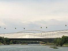 Pabellón puente sobre el Ebro