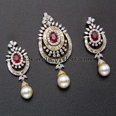 Jewellery Designs: Diamond Designer Locket