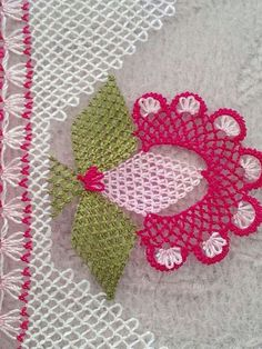 Crochet Easy Motif Granny Square - My Recommendations Filet Crochet, Crochet Car, Cute Crochet, Easy Crochet, Needle Lace, Lace Making, Knitting Socks, Hand Embroidery, Needlework