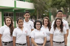 Disminuye costo de libros y uniformes para alumnos del Colegio de Bachilleres