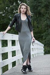 Rowan Reiding - H&M Grey Jersey Maxi Dress, Oasis Leather Biker Jacket, Itemtrend Isabel Marant Willow Ko, Ray Ban Wayfarer - MAXIMAL
