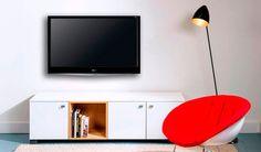 Graag stellen wij je voor aan ons populairste tv-meubel Thijs! Met zijn minimalistische design en door het gebruik van de eikenhouten kubus creëert Thijs warmte en gezelligheid in jouw woonkamer! Wil jij Thijs beter leren kennen? Kijk dan op http://100procentkast.nl/kasten-op-maat/tv-meubel/staand-tv-meubel/