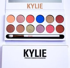 Kylie Cosmetics The Royal Peach Palette, KKW Beauty Body Makeup, Kylie Makeup, Makeup 101, Makeup Inspo, Beauty Makeup, Makeup Looks, Makeup Products, Beauty Products, 2017 Makeup, Jenner Makeup