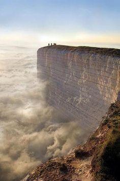 セブンシスターズ イギリス ここから飛び降りたらどんな世界が現れるんだろうと想像が膨らむ景色