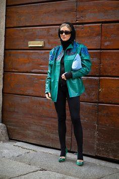 The Best Street Style Looks From Milan Fashion Week Fall 2020 - Fashionista Milan Fashion Week Street Style, Autumn Street Style, Cool Street Fashion, Street Style Looks, Wardrobe Basics, Short Skirts, Fitness Fashion, Preppy, Rain Jacket