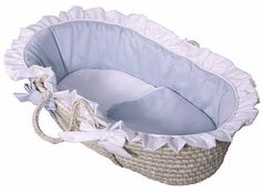 The #Hoohobbers Moses basket made from sophisticated, designer fabrics. Great care is taken to create linens of the highest quality including doubled ruffles and...