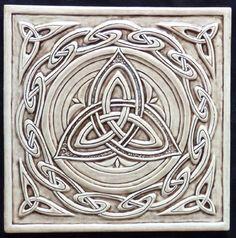 "Central triskelion surrounded by a ""Celtic wave"" border. Celtic ceramic tile - print and create coasters! Celtic Symbols, Celtic Art, Celtic Dragon, Celtic Decor, Celtic Pride, Mayan Symbols, Egyptian Symbols, Ancient Symbols, Celtic Patterns"