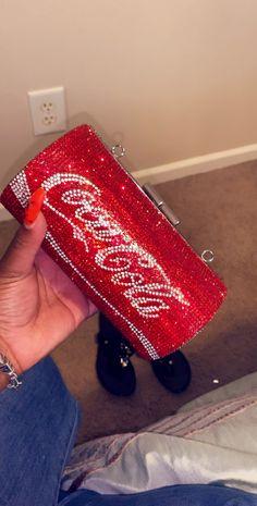 Bling bag - Coca Cola - Idea of Coca Cola Unique Handbags, Purses And Handbags, Popular Handbags, Cheap Handbags, Cheap Bags, Luxury Purses, Luxury Bags, Luxury Handbags, Mode Rose