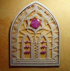 AKR11 - GotikART - geklöppeltes Fensterbild von Kreative Klöppelideen auf DaWanda.com