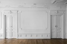 exquisite mouldings in an old building Luxury Bedroom Design, Home Interior Design, Interior Architecture, Interior Decorating, Wall Art Designs, Wall Design, House Design, Classic Living Room, Classic Bed Room