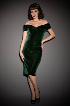 Velvet Fatale Dress - a style forest green Bardot off the shoulder wiggle dress by the Pretty Dress Company. A Vintage style party dress. Pretty Outfits, Pretty Dresses, Beautiful Dresses, Elegant Dresses, 1950s Style, Retro Style, Green Velvet Dress, Green Dress, 1960s Fashion