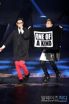 GD & T.O.P performing in Jakarta.
